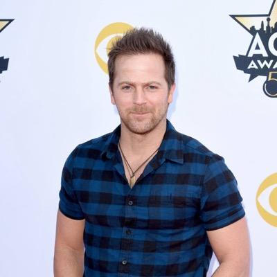 You haven't seen sexy until you've seen Kip Moore dance