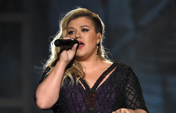 Kelly Clarkson's Entire Discography Gets the A Capella Treatment