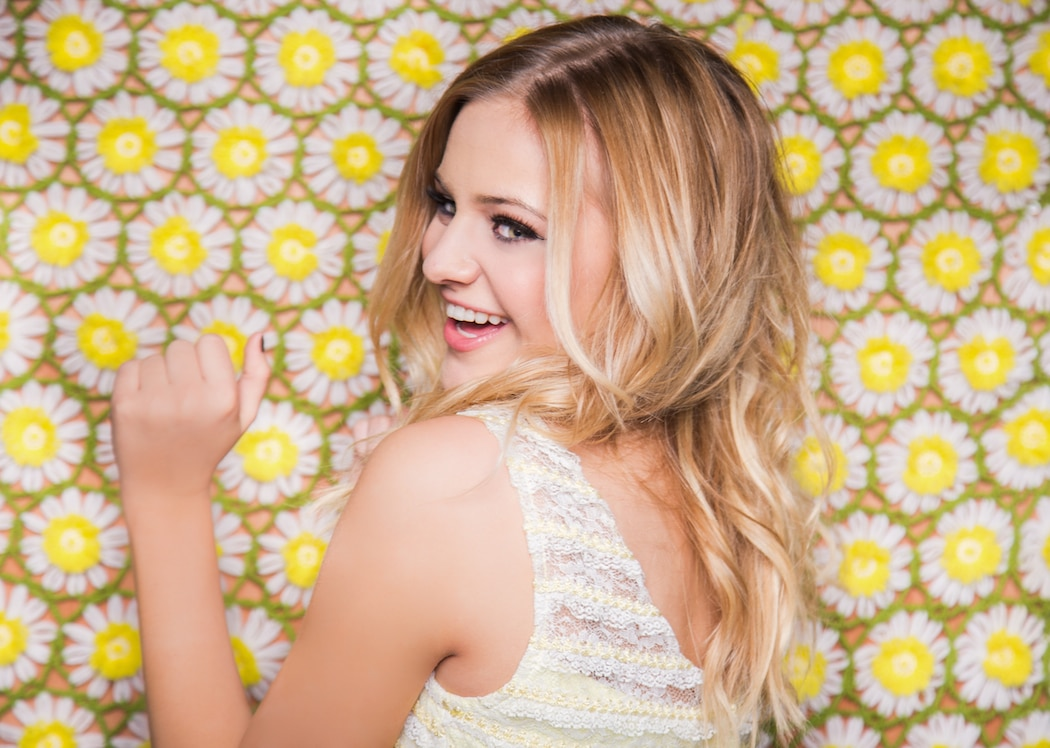 Kelsea Ballerini says songwriting is her therapy session