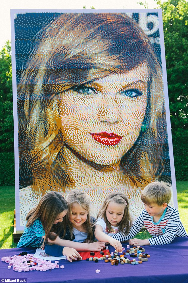 Taylor-Swift-Legos
