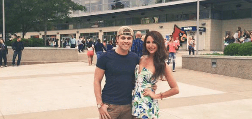 Did Dustin Lynch just prove he is the best boyfriend?
