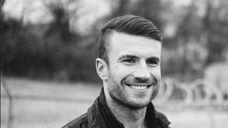 Does Sam Hunt play the sensitive tortured man role?