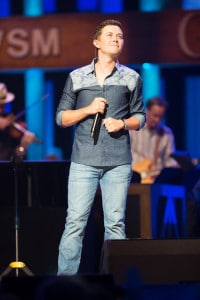 Scotty McCreery Hollo 9043 6-9-15