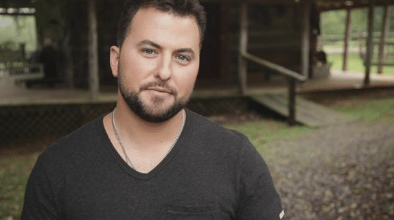 "Tyler Farr tries to stick it to ""NOT Jake Owen""…"