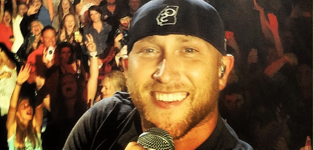 Cole Swindell looked a little scared of Miss Alabama last night