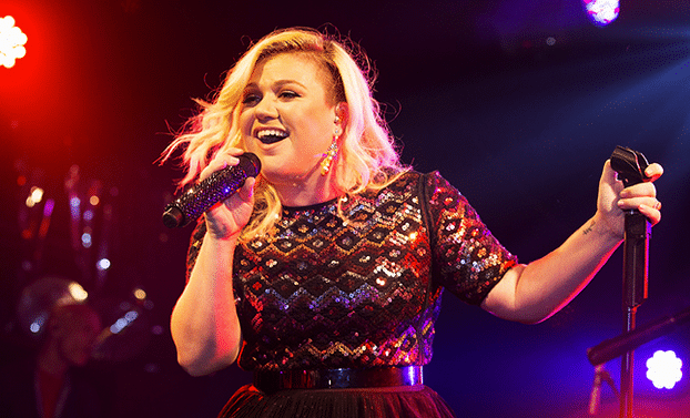 Kelly Clarkson Tests Music on Her Biggest Smallest Fan