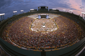 lambeau-field-kenny-chesney