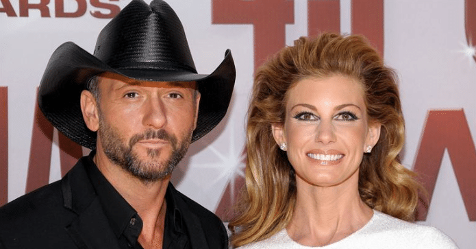 """Faith Hill Gives Tim McGraw the Old """"Swipe Left"""""""