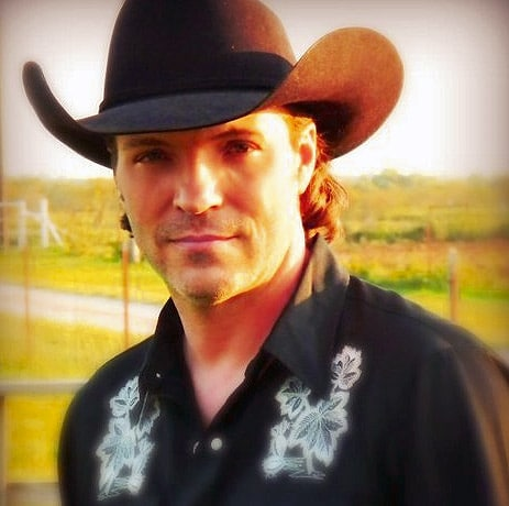 90s country singer Daron Norwood found dead in Texas home