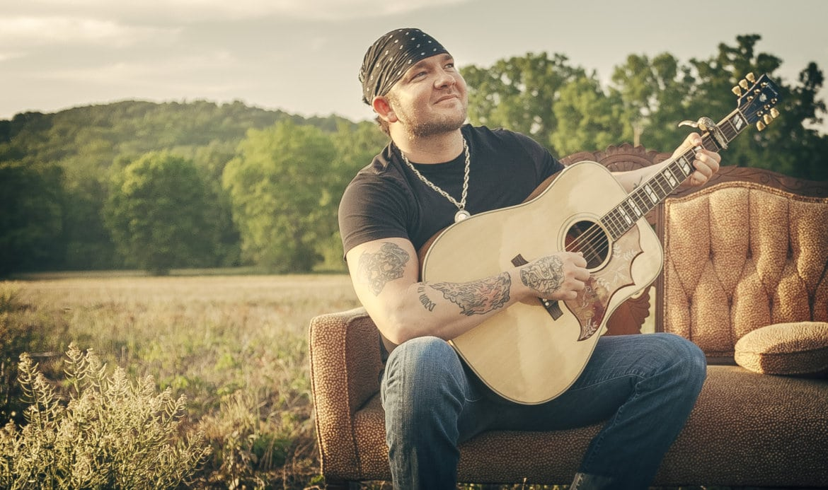 Stoney LaRue apologizes for getting arrested after fight with girlfriend