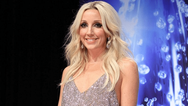 NashvilleGab and Country Deep TV Welcome Ashley Monroe for a Twitter Chat!