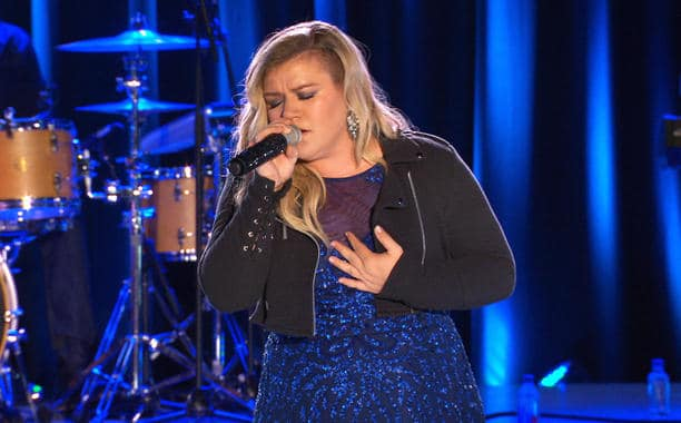 What Happens Behind-the-Scenes with Kelly Clarkson Doesn't Stay Behind-the-Scenes