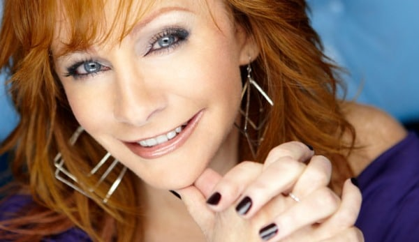 Reba Heads to Disney World to Get in the Christmas Spirit