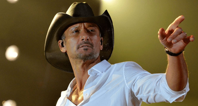 Tim McGraw messes up lyrics to own song thanks to Storme Warren…