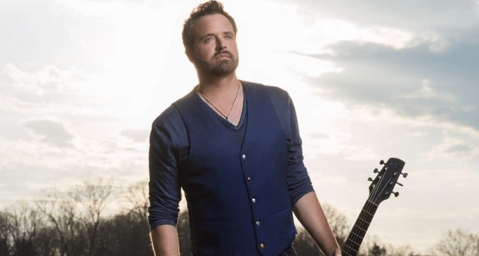 Randy Houser: Bandit At Large (Watch!)