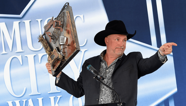 Garth Brooks and Trisha Yearwood Become Nashville Stars