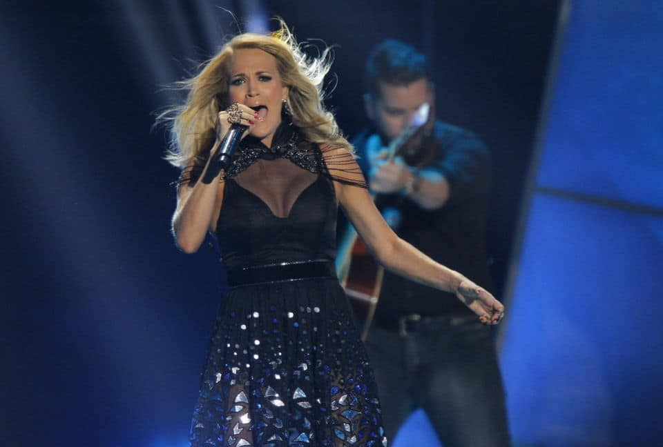 Want to Look like Carrie Underwood? Put Down the Bread Basket