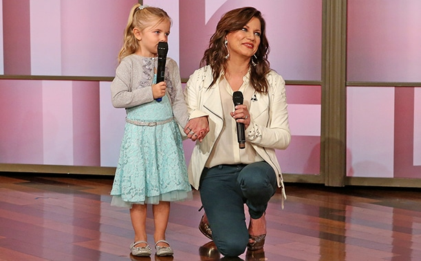Tissue Alert: Martina McBride Joins Little Girl to Serenade Her Mom with Cancer