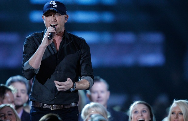 Cole Swindell Surprises Adorable Dustin Lynch Fan
