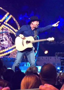 garth-brooks-tour-point