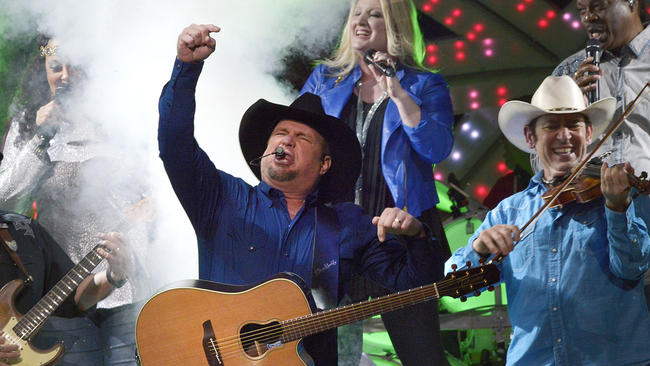 Concert Review: Garth Brooks World Tour 2016