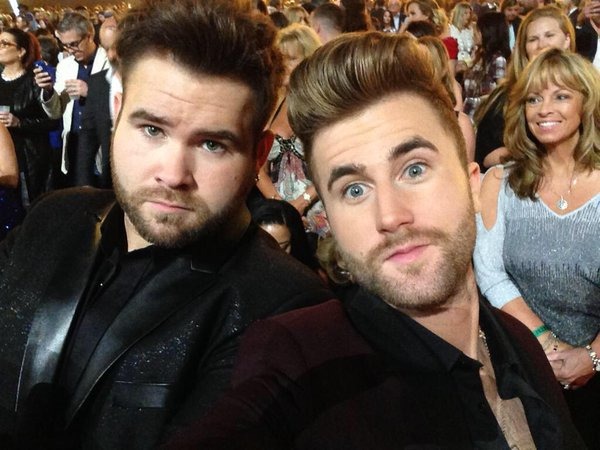 The Swon Brothers Pull a Beyonce