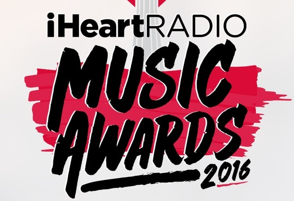 Which Country Artists Represented At the iHeartRadio Music Awards?