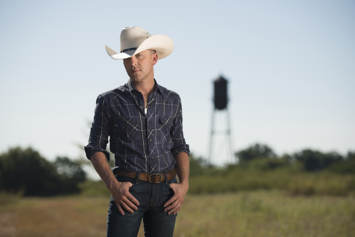 Justin Moore announces details of new album, 'Kinda Don't Care'