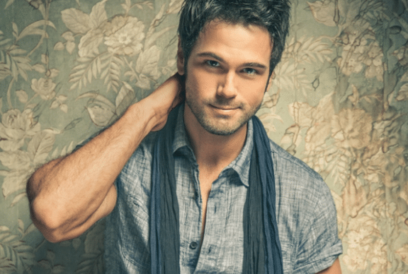 Is Chuck Wicks the Ryan Seacrest of country music?