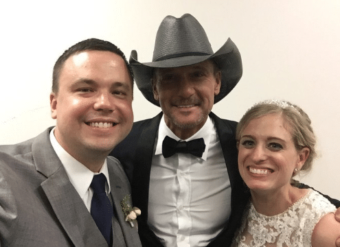 Tim McGraw and the bride and groom