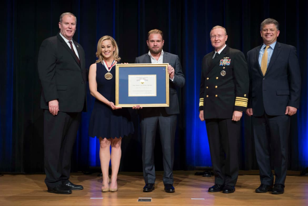 Kellie Pickler honored by the Department of Defense
