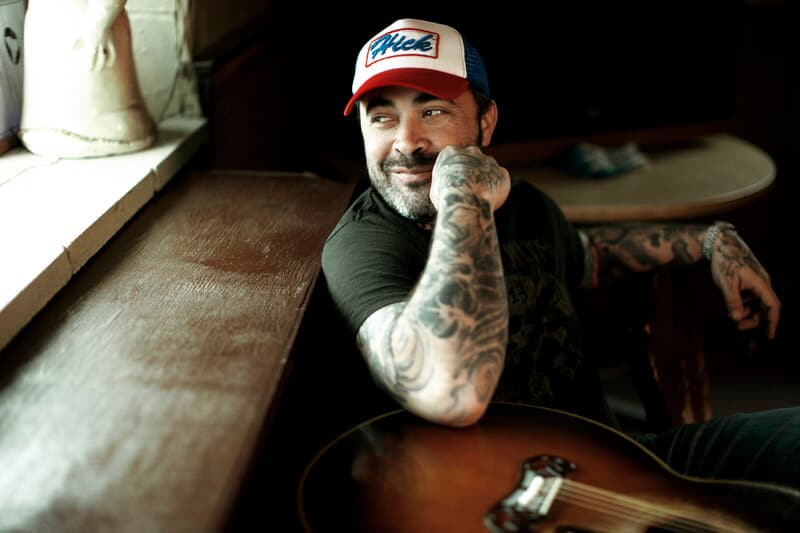 Aaron Lewis Still Hates Modern Country Music, But He Doesn't Hate the Artists