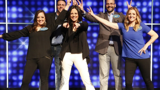 "Sara Evans & Family Win $25,000 for St. Jude On ""Celebrity Family Feud"""