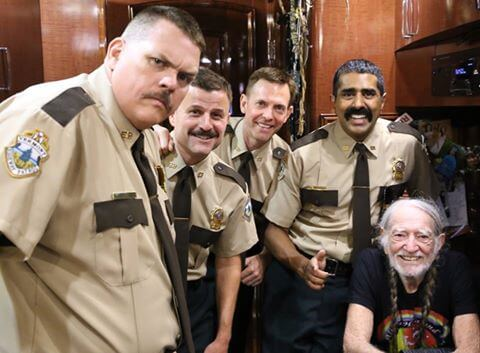 Willie Nelson got a visit from some troopers … some Super Troopers