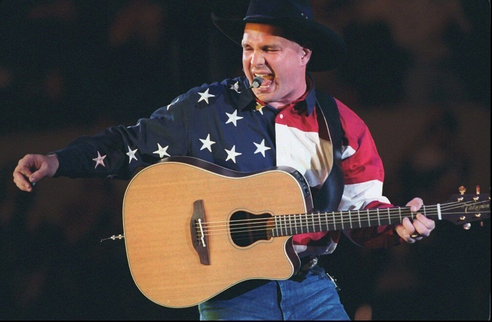 Garth Brooks Says He Would Perform at Donald Trump's Inauguration