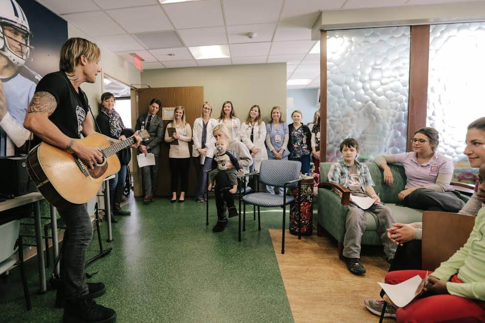 Keith Urban Makes Surprise Musicians On Call Hospital Visit