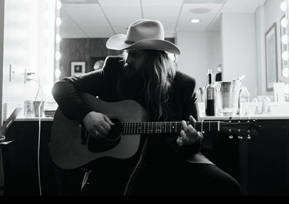 Chris Stapleton invites officer who was shot in face to Florida concert