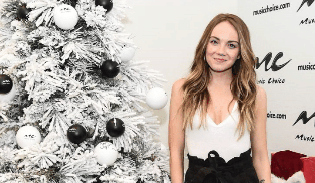 "Gab's 12 Days of Christmas: Danielle Bradbery ""O' Holy Night"""