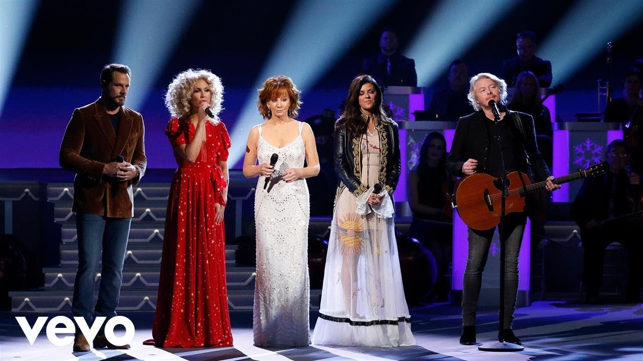 "Gab's 12 Days of Christmas: Reba & Little Big Town ""Mary, Did You Know"""