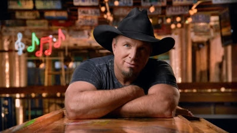 Garth Brooks trades stadiums for dive bars this summer