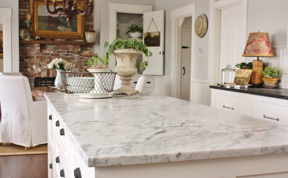 The Differences Between Quartz and Granite Countertops.