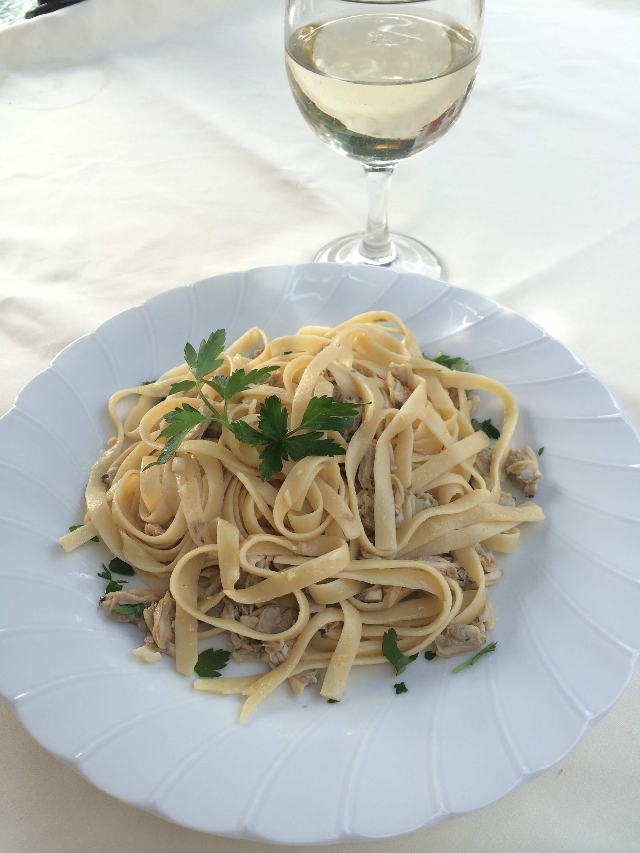 white clam sauce