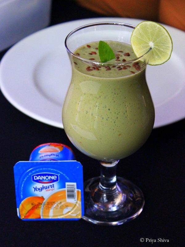 superfood smoothie with Danone greek style yogurt