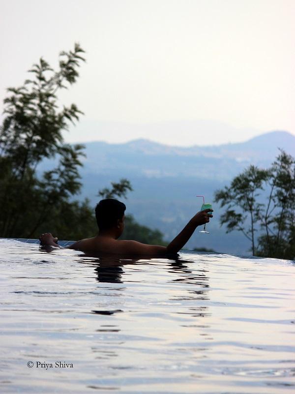 infinity pool java rain resort