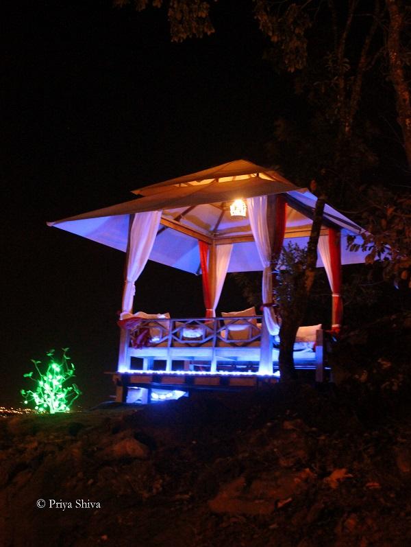 java rain resort - valentine day