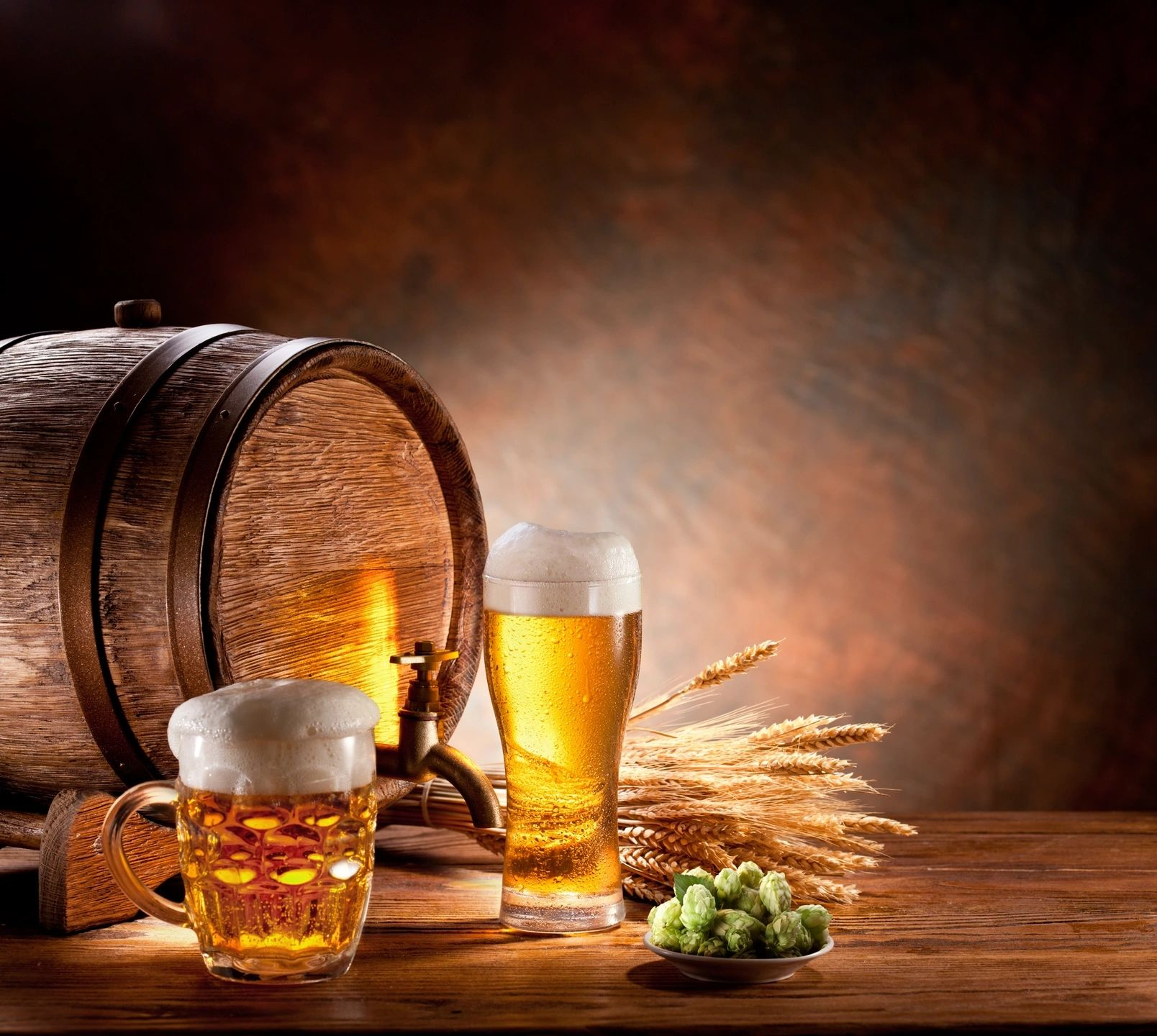 beer barrel and glass