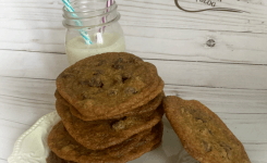 Thin And Crispy Chocolate Chip Cookies Without the Ads!