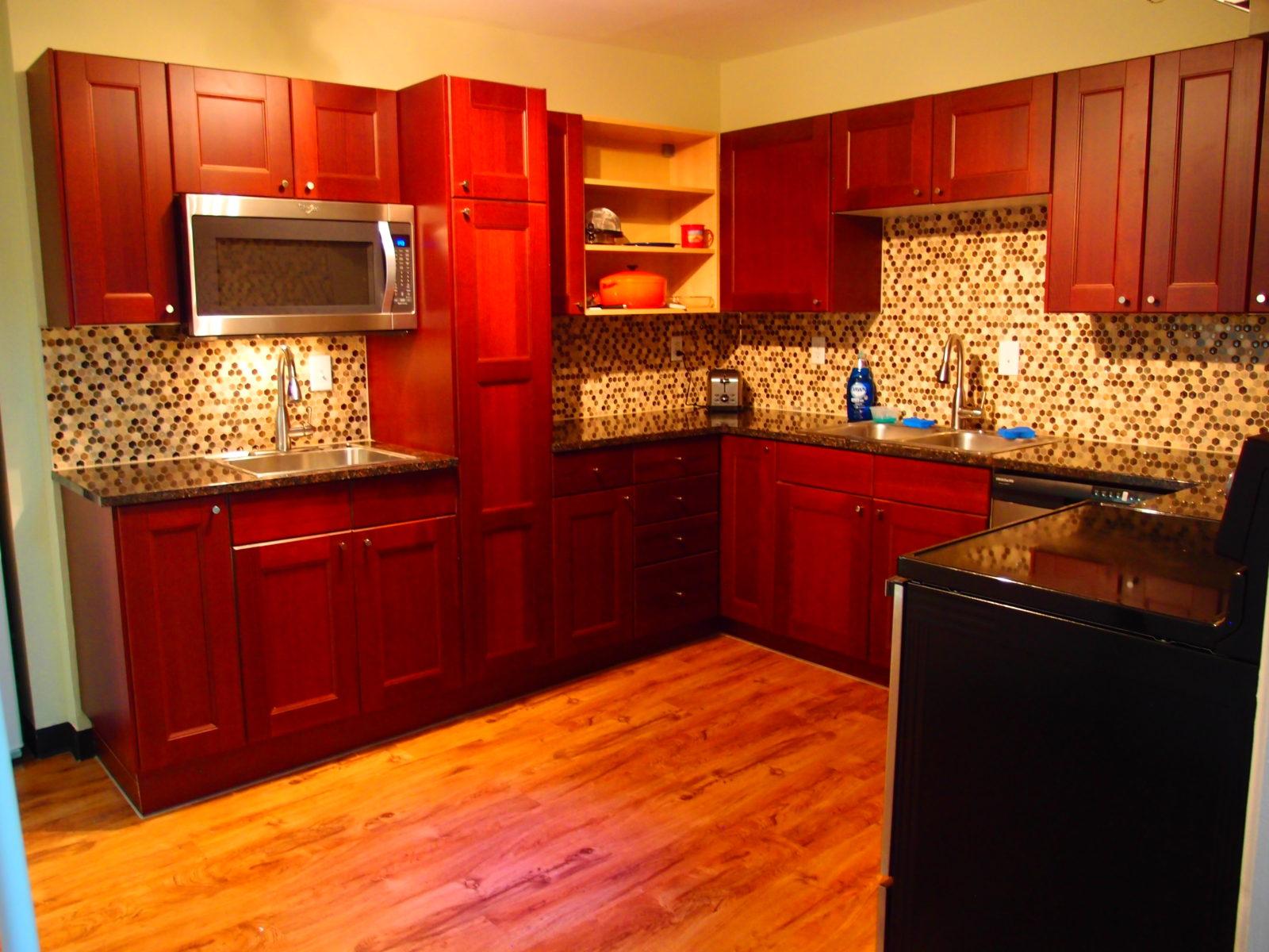 909 female kitchen 1
