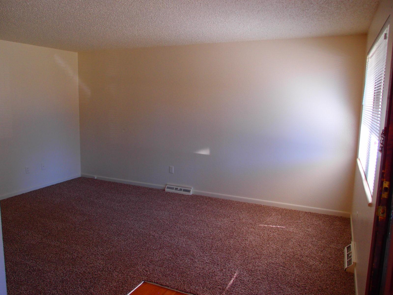 2166 Dexter: Living Room