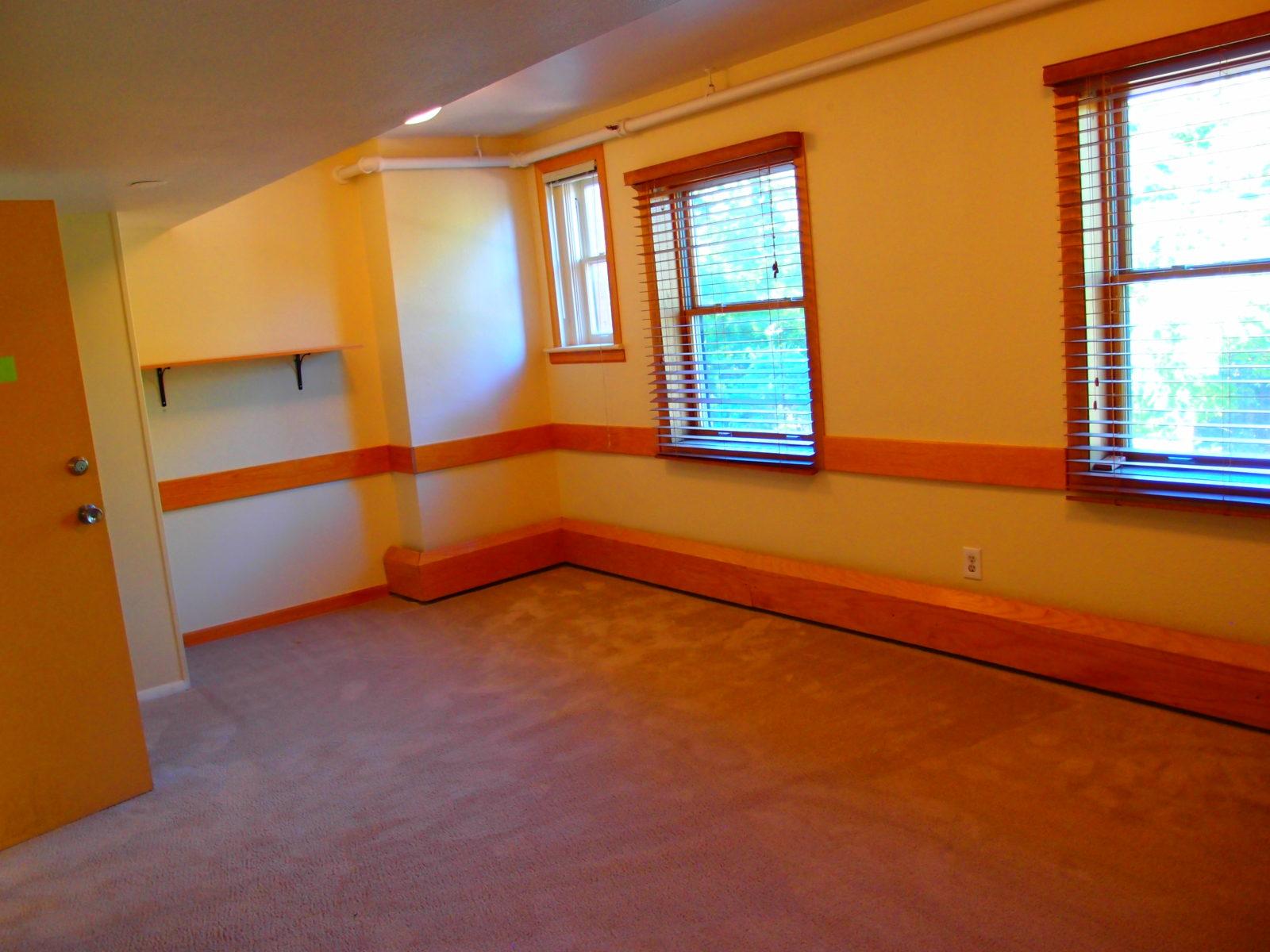 909 room 2
